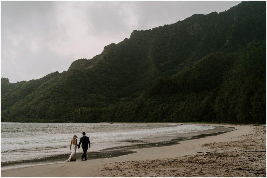 Oahu beach sunset elopement