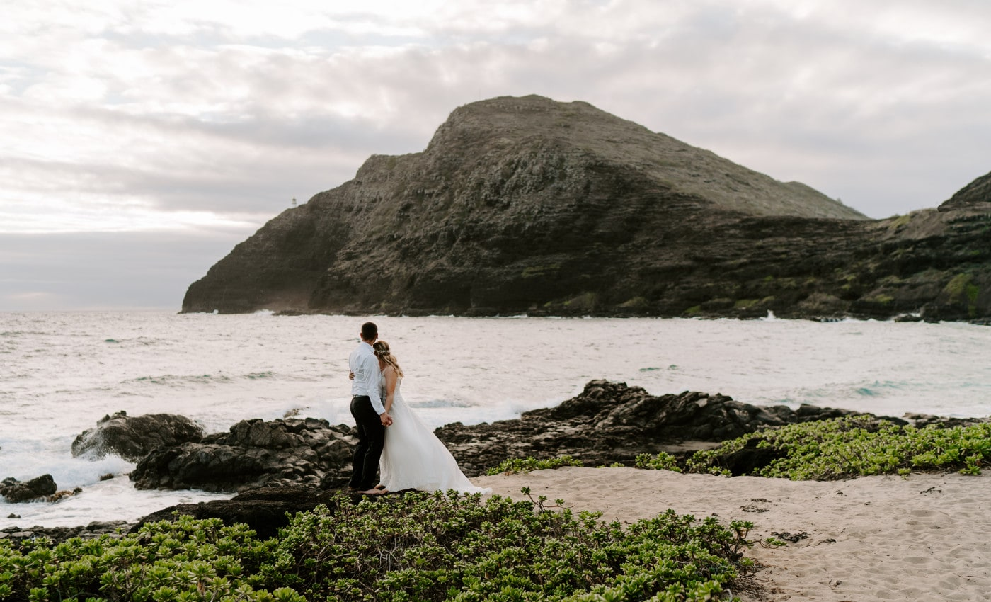 Best Beaches on Oahu For Your Elopement Ceremony